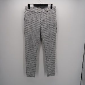 HUE Twill Mid Rise Stretch Skinny Slim Leg Pants